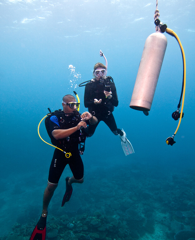 PADI Advanced Open Water Diver Course with Divinguru in Sri Lanka