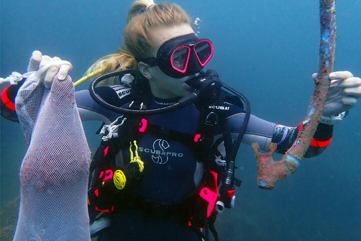 the best PADI Dive Against Debris dive with Divinguru Unawatuna and Divinguru Nilaveli in Sri Lanka