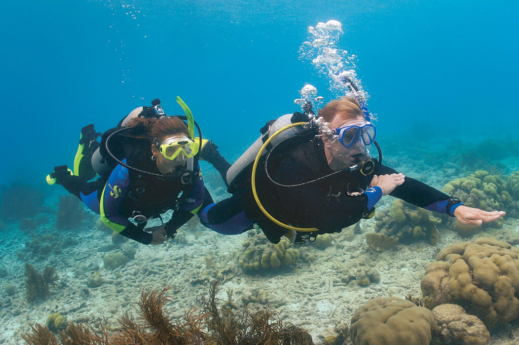 PADI Underwater Navigation Course with Divinguru in Sri Lanka
