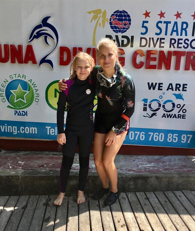 try scuba diving for kids in Sri Lanka with Eliska Siskova