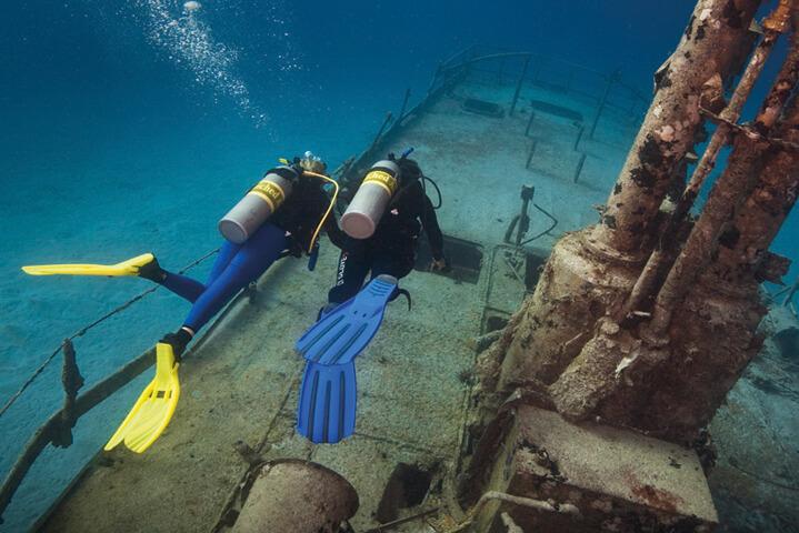 PADI Wreck Diving Course with Divinguru in Sri Lanka